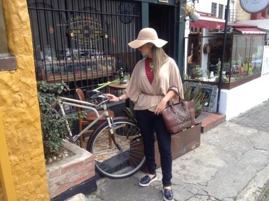 Marce y bici